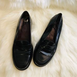 💘NEW LISTING💘 TODS patent loafer